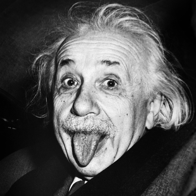 Albert Einstein tirant la langue